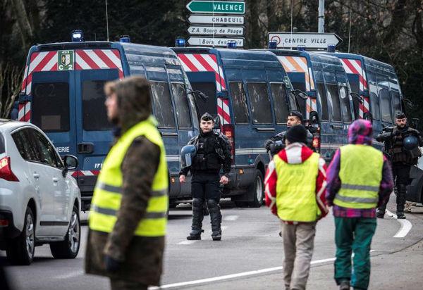 """Como en los """"actos"""" anteriores, se planean varias movilizaciones en París, incluida una marcha que irá de los Campos Elíseos a la Plaza de la Bastilla"""