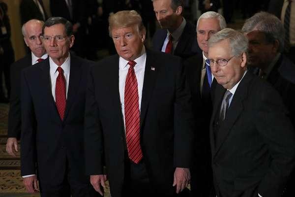 Trump insiste en que es imperativo obtener 5.700 millones de dólares para construir un muro en la frontera. FOTO: AFP