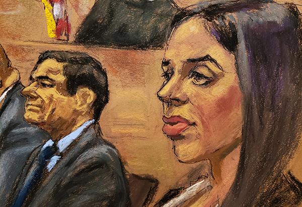 Emma Coronel, quien se encontraba entre el público de la sala, escuchó el testimonio de López seria, sin inmutarse.  FOTO: REUTERS