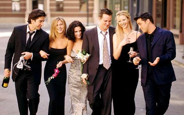 Los seis miembros del reparto aún ganan 20 millones de dólares al año, ya que la serie aún genera mil millones anuales para Warner Bros