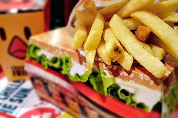 El estudio presentado junto al Poder del Consumidor expuso que 13 iniciativas se dirigían a regular la disponibilidad de alimentos y bebidas no saludables.