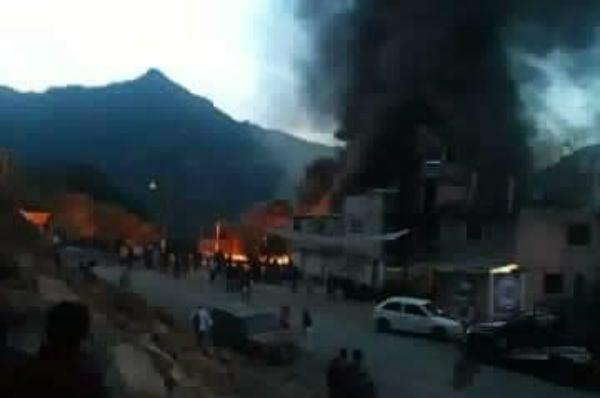 De acuerdo con el reporte de la Secretaría de Seguridad Pública municipal, los hechos se registraron cerca de las 14:00 horas cuando los vecinos alertaron por el fuego