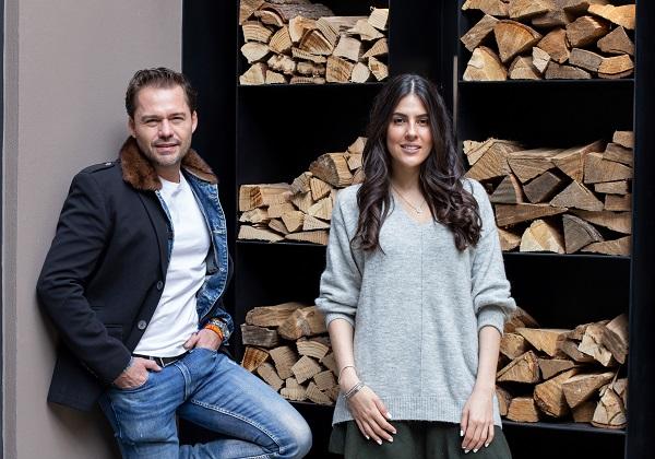 Los expertos Miguel Ángel Cerdio y Carla Rivera nos abren el showroom de su empresa, Llave Maestra, para platicar sobre cómo personalizan un espacio. Foto: Yaz Rivera