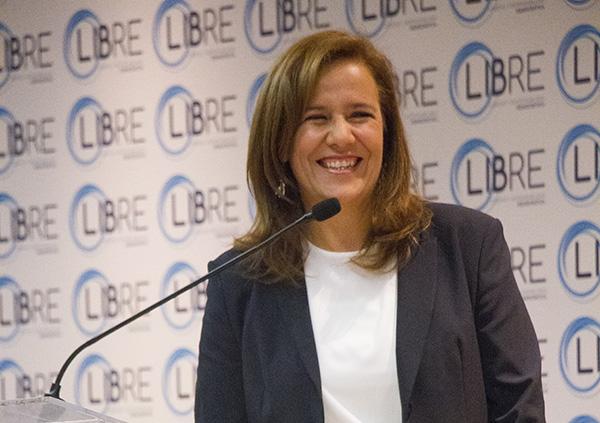 Margarita Zavala adelantó que su esposo, el ex presidente Felipe Calderón, formará parte del partido en construcción. FOTO: CUARTOSCURO