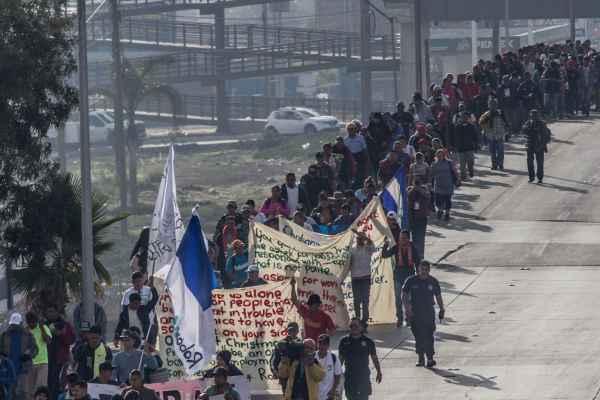 AMLO aseguró que el INM y la Segob están dándole seguimiento a la nueva caravana migrante que se dirige a EU. Foto: Archivo | Cuartoscuro