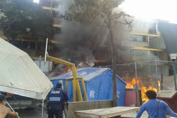 Los damnificados dicen que no han atendido sus peticiones de mejorar las condiciones de los campamentos. Foto:@DUCDMX
