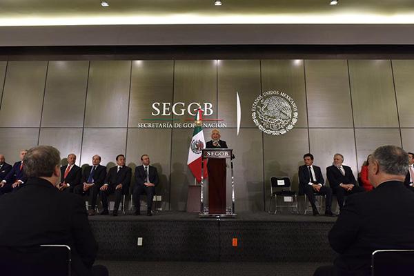La secretaria de Gobernación afirmó ante los padres y madres de los 43 estudiantes desaparecidos de la Escuela Normal Rural Raúl Isidro Burgos de Ayotzinapa, que se va a esclarecer. FOTO: ESPECIAL