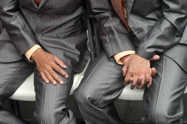 La negativa de pensión se sustentó en el Artículo 130 de la Ley del Seguro Social, que establece que sólo tienen derecho a esa pensión las parejas integradas por hombre y mujer. Foto: Cuartoscuro