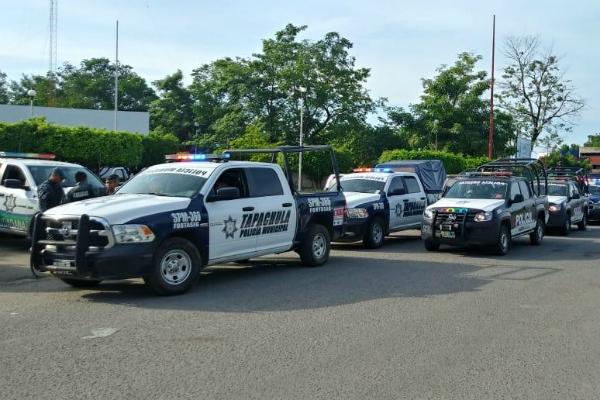 Elementos policíacos detectaron a los presuntos delincuentes en un camino de terracería, cerca del puente Mata Tigre, en el tramo Tapachula-Huixtla