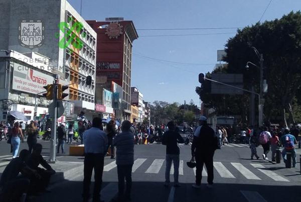 C5 y el Centro de Información Vial de la Ciudad de México han alertado a los automovilistas del bloqueo y han sugerido como alternativas viales 5 de Febrero y Correo Mayor. FOTO: @OVIALCDMX