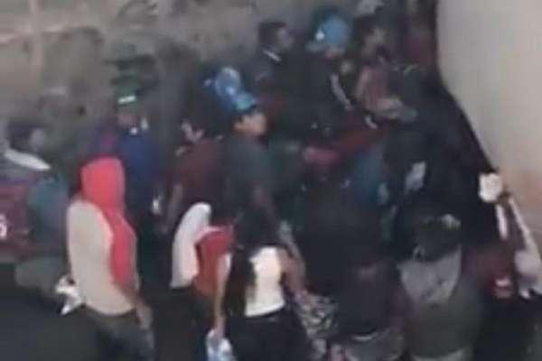 Del accidente resultó herido una persona, quien fue atendido por paramédicos de Protección Civil, en tanto elementos de la Policía Federal acudieron al lugar para acordonar la zona.