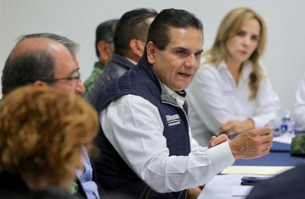 """El gobernador de Michoacán calificó el saqueo de combustible como """"espeluznante"""