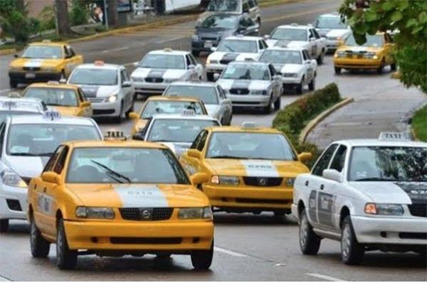 En la negociación para alcanzar el acuerdo participaron el jefe del Ejecutivo, funcionarios de la Secretaría de Movilidad y dirigentes transportistas.