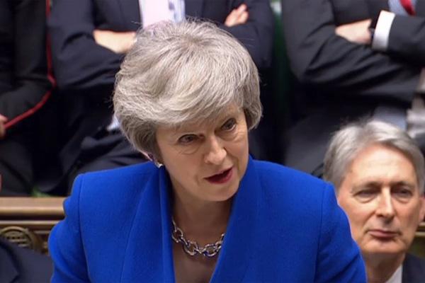 La víspera,May había sufrido el peor revés parlamentario infligido a un gobierno británico en la historia. FOTO: AFP