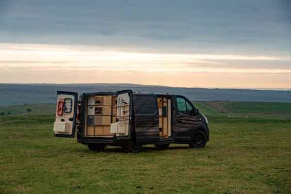 Presentan Van con tecnología ecológica en exposición de Bruselas