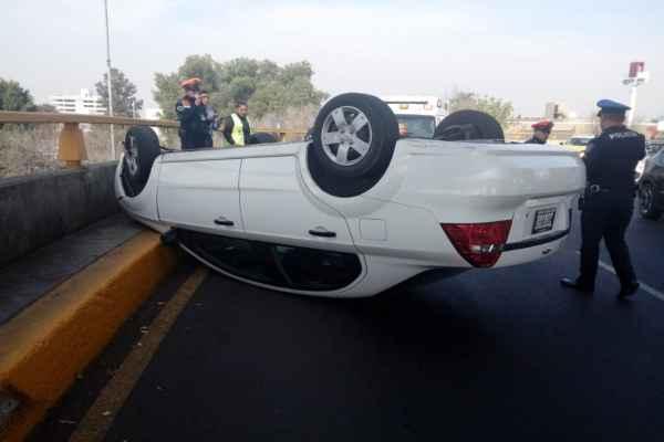 Hasta el momento se desconoce el estado de salud del conductor. Foto:@kroseco25