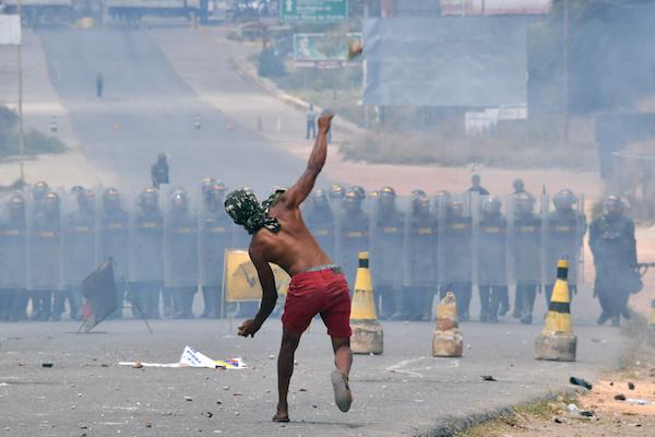 BRAZIL-VENEZUELA-CRISIS-BORDER