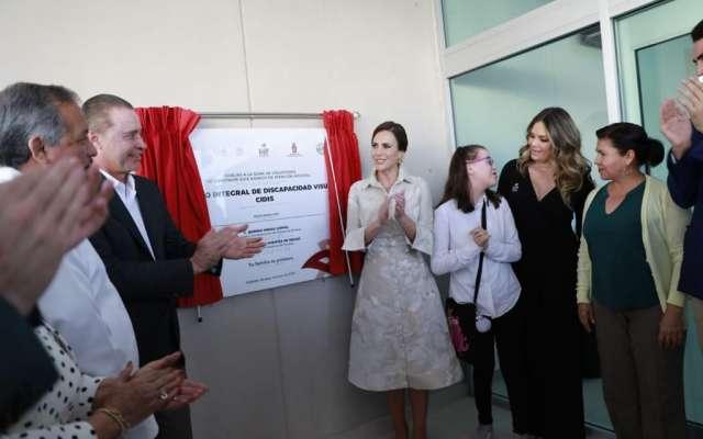 Rosy Fuentes de Ordaz, inauguró el complejo de atención. FOTO: Especial