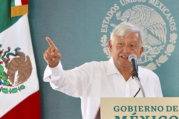 El gobernador de Durango, José Rosas Aispuro, reconoció que el abandono y la marginación orilló a la población a dedicarse al cultivo de drogas. FOTO: MANUEL DURÁN