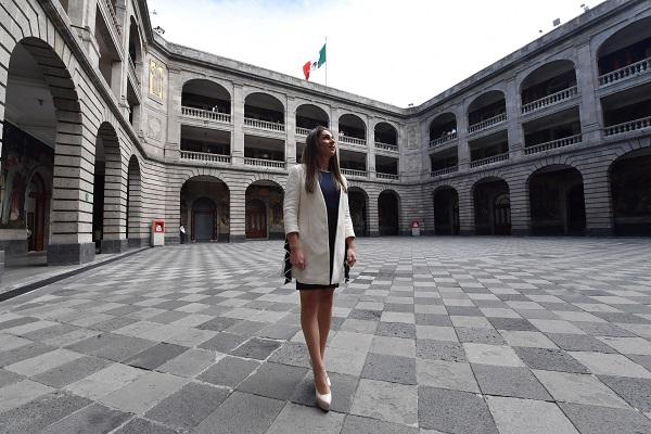 LÍDER. Ana Guevara busca inspirar a los atletas para alcanzar grandes logros a escala internacional. Foto: PABLO SALAZAR SOLÍS