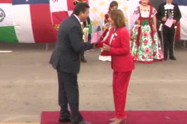 Francisco Cabeza de Vaca y Nancy Pelosi, destacan con abrazo fraterno, relación Tamaulipas-Texas