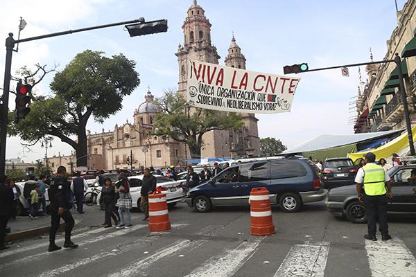 CNTE levanta plantón en Morelia; reiniciarán clases el lunes