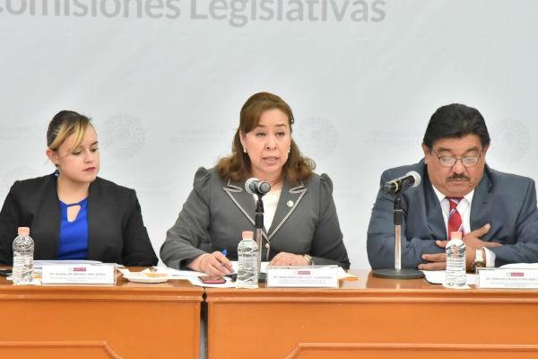 Durante una intensa sesión de los integrantes de las Comisiones de Gobernación y Puntos Constitucionales, de Finanzas Públicas y de Planeación y Gasto Público, se aprobaron modificaciones a la fracción XXX del artículo 61 de la Constitución local