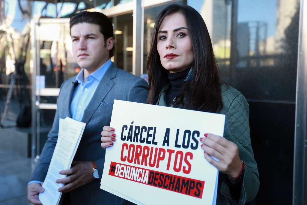 Senadores denuncian a Romero Deschamps