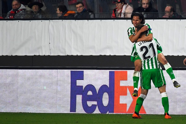 Lainez, quien sustituyó en el minuto 27 a su compañero Junior Firpo, lesionado, consideró que el conjunto bético tuvo una actuación destacada en la segunda parte, en la que logró igualar un 3-1 adverso. Foto: AFP