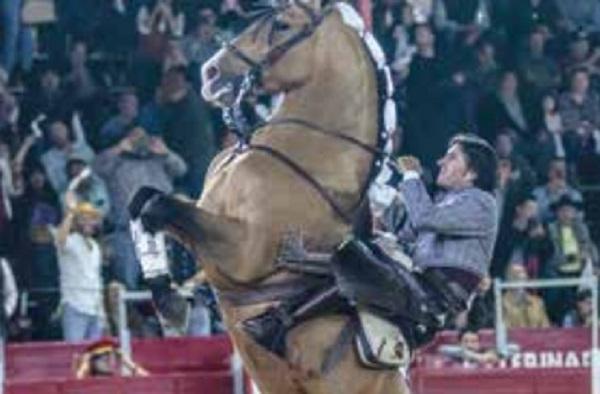 PASIÓN. El rejoneador portugués es un auténtico espectáculo en los ruedos taurinos. Foto: Especial