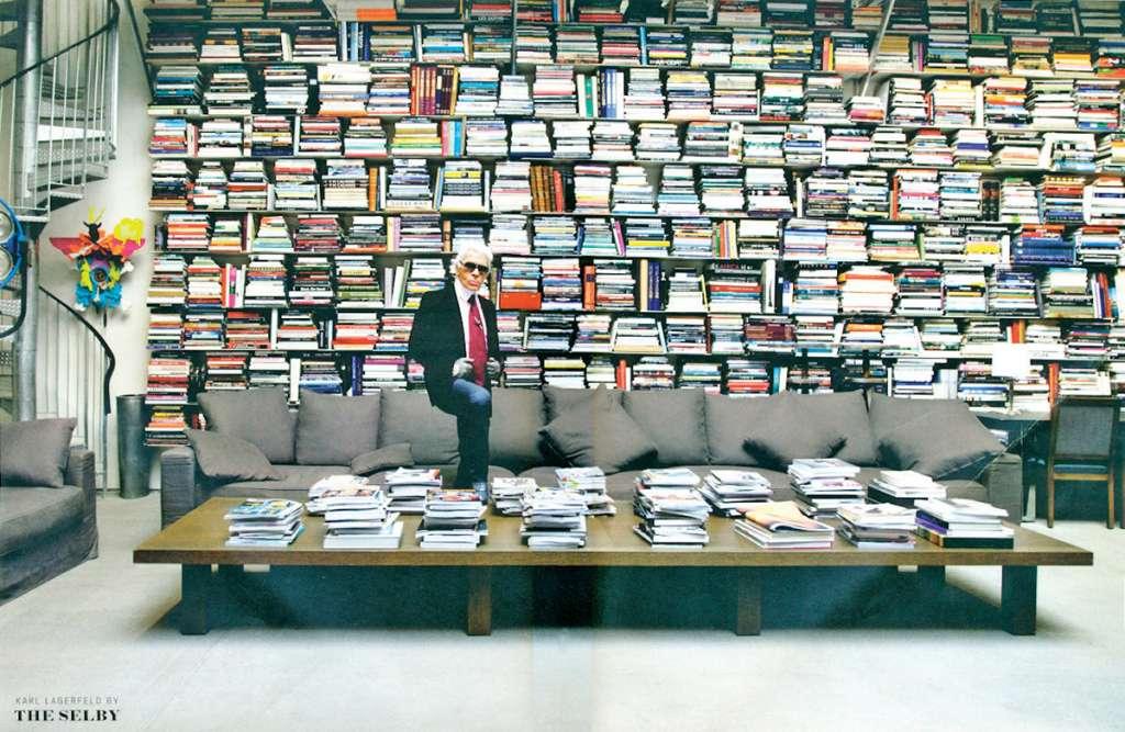 HOGAR. La biblioteca está en una parte que usaba de oficina. Foto: Especial