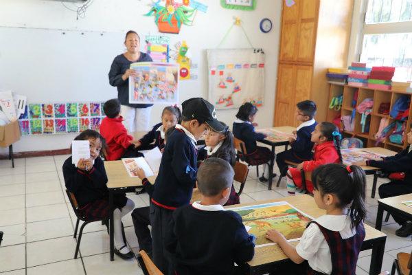 La Secretaría de Educación de Michoacán informó que con la reapertura de los planteles afectados, hoy sumaron más de un millón de estudiantes que están tomando clases este lunes