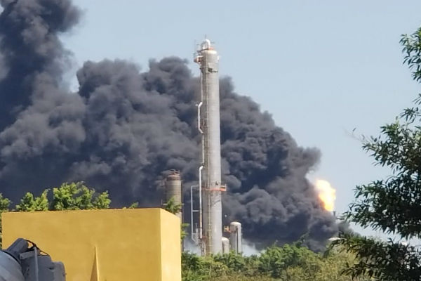 Personal de Pemex controló el siniestro, según los primeros reportes. Se descartan daños mayores en la zona