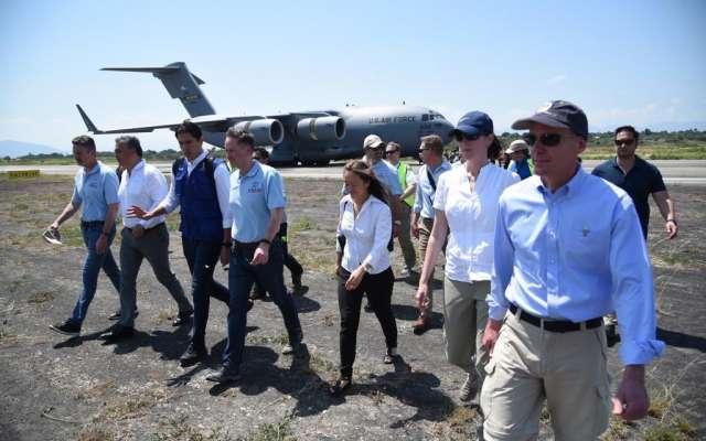 Primer avión de EU con ayuda humanitaria para Venezuela