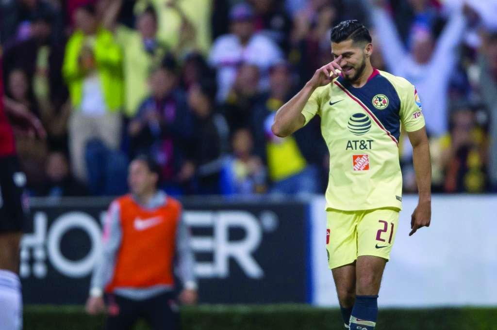 PRESIÓN. Henry Martín buscará más goles para disputarle la titularidad a Roger, Castillo y Oribe. Foto: MEXSPORT