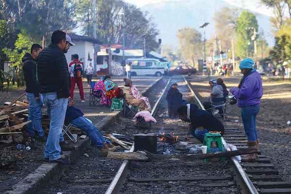 VISIÓN. Empresarios manifestaron el aumento del daño económico por el bloqueo a las vías de tren. CUARTOSCURO.COM