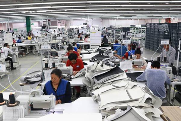 Los industriales buscan instaurar mesas de diálogo con autoridades de las secretarías de Gobernación, del Trabajo y Previsión Social, Hacienda y de Economía. FOTO: CUARTOSCURO