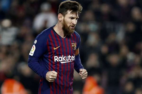 El delantero argentino del FC Barcelona, Lionel Messi, celebra su gol anotado ante el Real Valladolid. Foto: EFE