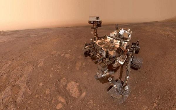 La nota de la NASA agrega que un estudio previo había detectado una fuerte señal de hematita, un mineral rico en hierro que a menudo se crea en el agua. Foto: NASA