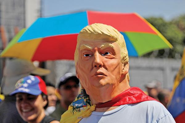 El SALVADOR. Para muchos venezolanos, el apoyo del presidente Trump a la oposición es clave. REUTERS/Carlos Barria