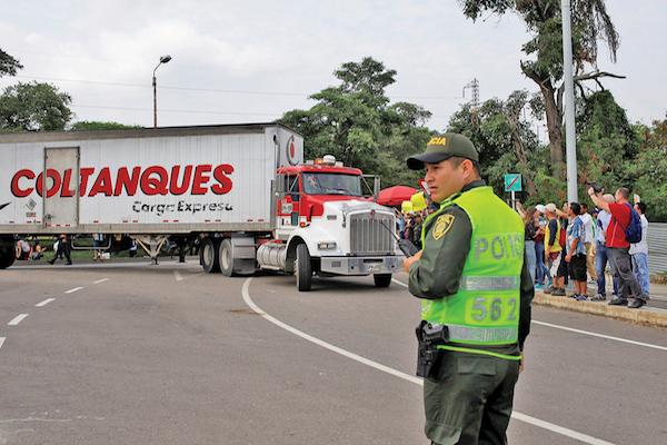 En Cúcuta, Colombia, están los tráileres con ayuda humanitaria. Foto: Reuters