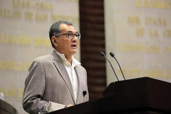 El legislador de Morena, Víctor Mojica es autor de la iniciativa contra líderes sindicales. Foto: Especial.
