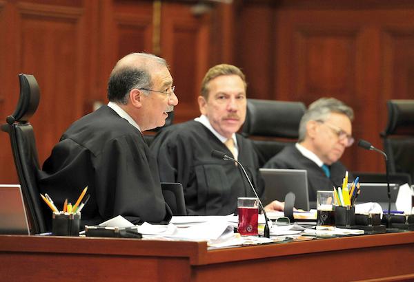 Los ministros resolvieron por tres votos que el recurso de reclamación es infundado. FOTO: CUARTOSCURO.COM