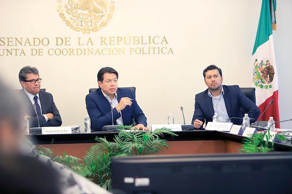 Mario Delgado dijo que el pago saldrá de los ahorros. Foto: Especial.