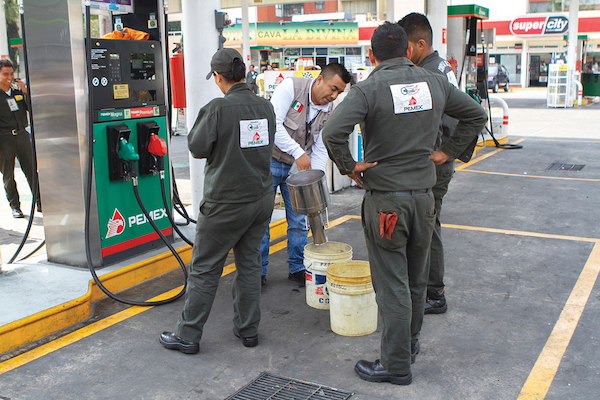 La Procuraduría supervisó más de siete mil gasolineras de todo México. Foto: Cuartoscuro