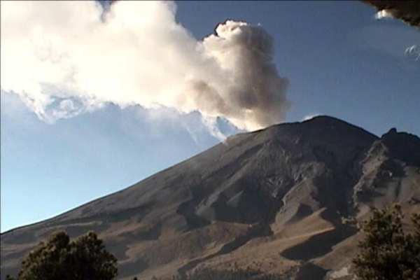 El Cenapred pidió a lapoblación no acercarse al volcán. Foto: Cenapred