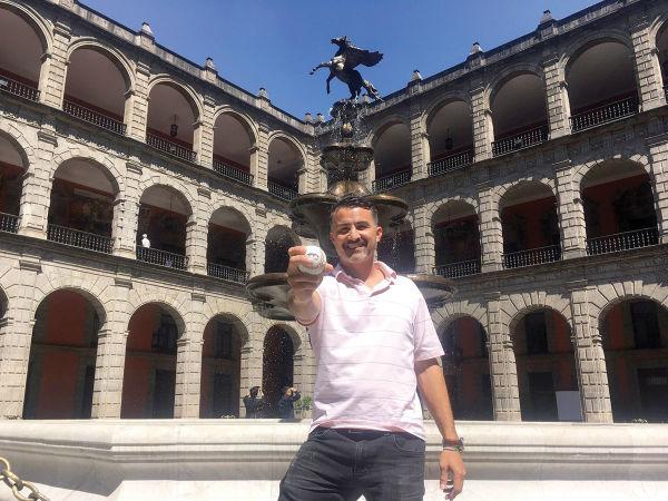 DIRECTO. Édgar González trabaja en Palacio Nacional, cerca del Presidente. Foto Katya López