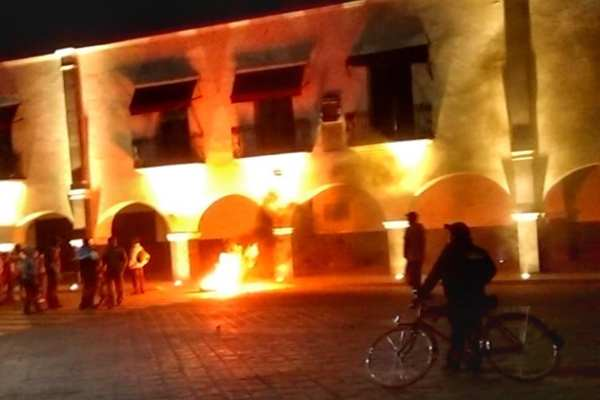 ElAyuntamiento deHuejotzingosolicitó a las personas estar atentas a la información oficial. Foto: Especial