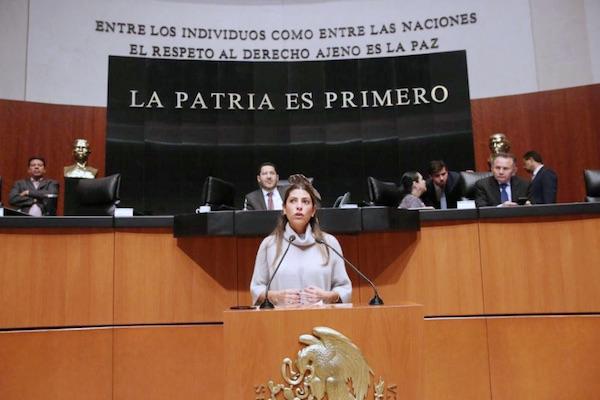 Sylvana Beltrones en el Pleno del Senado de la República. Foto: @sylbeltrones
