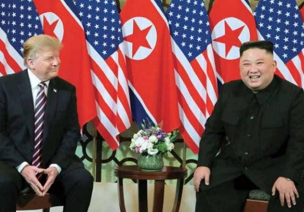 Trump y Jong-Un cenaron en Vietnam para lograr un acuerdo de desnuclearización. FOTO: AFP